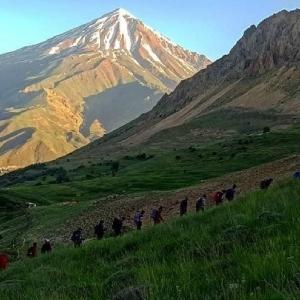 قله پاشوره در دشت آزو